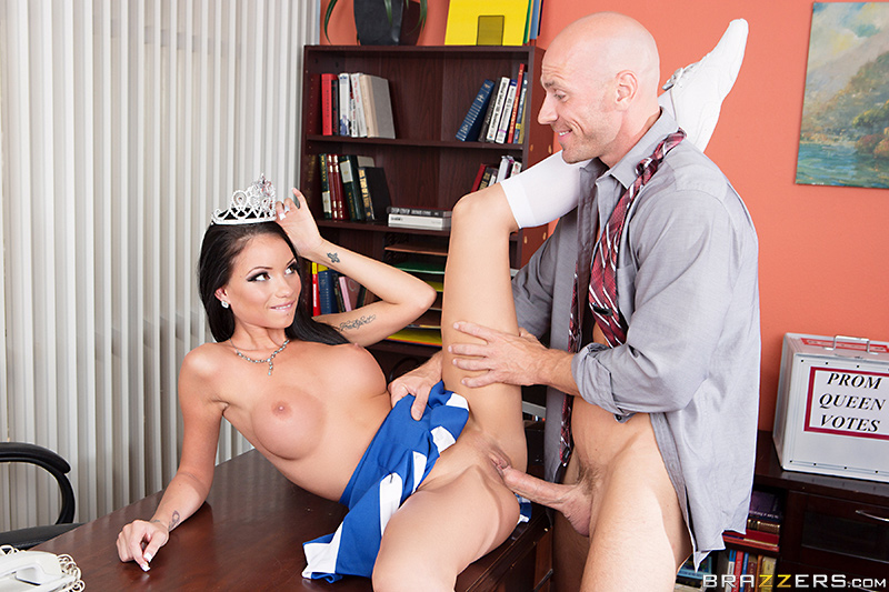 cheerleaders pussy getting fucked by teachers